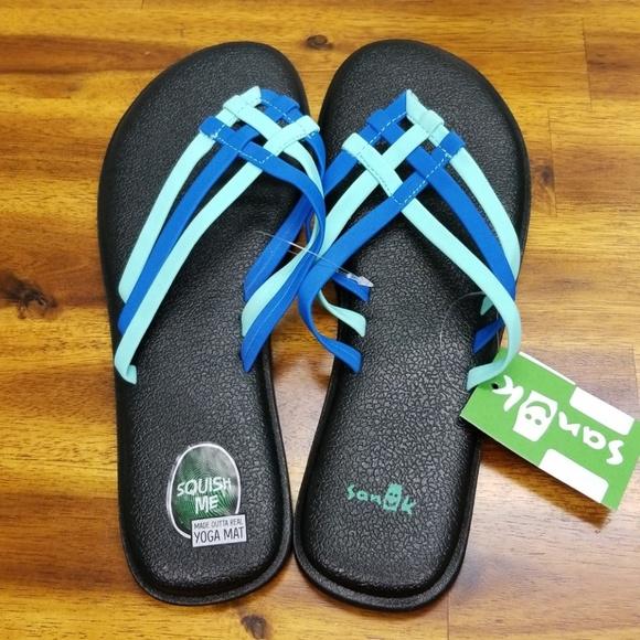 b8f61b379 SANUK Flip Flops